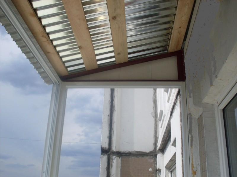 Крыша над балконом. стоимость крыши балкона в москве.