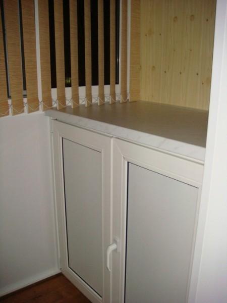 Сделать шкаф на балкон или лоджию в москве.